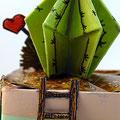 """""""Home, sweet home hérisson"""" Détail2 cactus origami papier, acrylique et encre de chine..."""