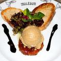 Mousse de Foie de Canard sur Tarte Tatin de Rhubarbe
