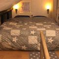 Das Doppelbett in der oberen Etage