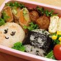 2011.8.3 今日の肉巻きはアスパラと人参。卵焼きは青海苔入り。