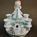 Einzelstück / Adventsengel in Fayence / Lichthalter für 4 Kerzen, der zusätzlich mit Tanne besteckt werden konnte.
