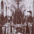 Anni '30. Un funerale nella chiesa di S. Pietro(da notare il particolare addobbo)