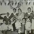 Anni '60- Un complesso musicale (da sx  ?, Trescale,Antonio Scarcella,Giovanni Giuliano e Francesco Scarcella, ?)
