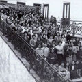 1952 Un corso al castello per aspiranti sarte organizzato dalla Singer