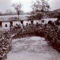 1932-Manifestazione all'interno del grande cortile del Concio, accanto alla chiesa del Carmine