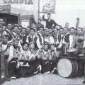 Anni '50 - Una Quadriglia (foto ricordo davanti al negozio del fotografo D. Candia)