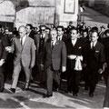 Fanfani arriva nei pressi di Piazza del Popolo(Acquanova)