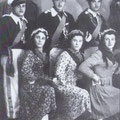Anni '50 A carnevale, foto ricordo(da sx in basso,Gerardo Marinaro,?,Pietro Amendola; da sx in alto,?,Giacinto Casciaro e Vincenzo Marinaro)