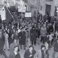 Nei primi anni '70 - Manifestazione della sinistra (corteo in Via Roma)