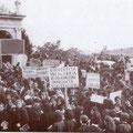 1966-In P.zza S. Francesco, manifestazione per l'Università in Calabria