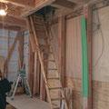 診療室から2階への収納階段