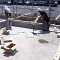 6月11の上棟に向け土台を設置していきます