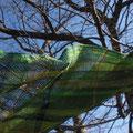 熊野本宮の大自然をイメージした作品。 男性に丁度良い長さのマフラーです。 春先まで使ってもらえるようコットンを多めにしてウール40%使用  幅34×長さ250センチ