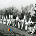 Les cabines de l'Auberge du Rocher de Chambord à la fin des années 1950. Fonds Studio Chabot.