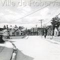 Intersection du boulevard Saint-Joseph et de la rue Arthur.  Fin des années 1930. Fonds Studio Chabot.