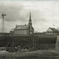 Église de Sainte-Hedwidge pendant les années 1940. Fonds Studio Chabot.