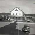 Presbytère de Lac-Bouchette, juillet 1964. Fonds Studio Chabot.