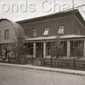 Pharmacie Pinault,  boulevard Saint-Joseph. 1951. Fonds Studio Chabot.