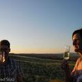 Champagner und Torte nach der Trauung
