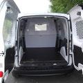 Cloison de séparation vitrée en métal sur fourgonnette EAS auto