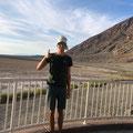 Jakob im Death Valley, ideal mit Kappa bei 49 Grad, USA August 2019