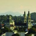 Das Bergpanorama gehört ebenso zu Kempten wie die Basilika St. Lorenz. (Foto: Stadt Kempten)