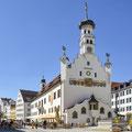 So schön und im Sommer richtig beliebt: der Rathausplatz im Kemptener Zentrum. (Foto: Stadt Kempten)