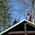 das Dach wird für die Anbote vermessen