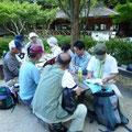 園地でのAチームのミーティング