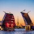 """St. Petersburg - an der Mündung der Newa - die """"Weißen Nächte"""" von Petersburg sind berühmt"""