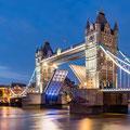 London - einmal unter der London Bridge durchsegeln. Ein Traum!