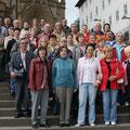 Mitglieder der Orts- und Kreisgruppe Landshut vor der Severikirche in Erfurt