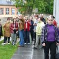 Mitglieder der Orts- und Kreisgruppe Landshut beim Besuch des Goethehauses
