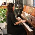 В выставочном зале звучит музыка Моцарта и Шопена. 20 ноября - День Красногорского района
