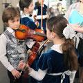 """Концерт красногорской музыкальной школы на презентации """"Вивальди - композитор из Италии"""" 6 марта 2014г."""
