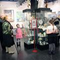 Осмотр выставки ангелов И. Торопова в выставочном зале МУК ККГ
