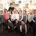 Экскурсия по выставке Латыповой Е. и Тукаевой А. с учениками школы №1