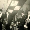 THE ORCHIDS in Kaiserslautern 1963 vlnr: Ronny Celosse - Theo Bijl - Albert van Haasen - Rex von Harras - Willy Muys (fotocollectie: Fred Hasenknopf)