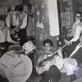 The Rhythm Gamblers - Weindorf Astoria, Frankfurt (1-15 april 1961) l/r: Rudi (?), (?) saxofoon, Loek Nicolaay, Bob Lammers, Richard Blanken, Ed Christoffel (fotocollectie: Bob Lammers)