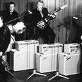 THE CORVAIRS 1963 Rob Meesters (basgitaar), Wim Roland (drums), Jan Plas (slaggitaar), Gerard Tubbergen (sologitaar) Foto gemaakt in Hotel Slotania Amsterdam-Slotermeer