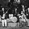 THE RHYTHM BROTHERS (Floriade, Rotterdam 1960) vlnr: Dick Croes - Wim Dohmen - Warry Wendelstigh - Frans Croes - Nico Douwes (fotocollectie: Arthur Diks)