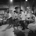 THE HURRICANE ROLLERS - AVRO TV Show 'Teenagers Instuif' (opname 21-10-1959) met in het midden Harry Bredow