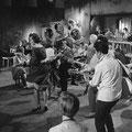 THE HURRICANE ROLLERS - AVRO TV Show 'Teenagers Instuif' (opname 21-10-1959)  met Rein de Vries in het gestreept overhemd op de dansvloer