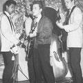 THE JOKERS tijdens een talentenjacht 1959 vlnr: Tony Lentze - Richie Toorop - Bob Lammers