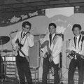 THE RAYLETTES - Les Galeries, Scheveningen 1965 vlnr: Eric Jahreis - Roelf Backus  - Victor de Graaff -  Oelie Ros -- Danny Hartman (foto: Roelf Backus)