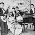 THE FENDER ROLLERS 1963 vlnr:George Gabriël - Herbert Hooijkaas  - Sammy Faverey - Rudy van Dünge Bille
