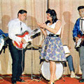 THE ROCKING HURRICANES  met zangeres Gitta Fredriksz (uit Romance oktober 1960)