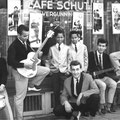 Danny Angel & The Crescents met The Berghaan Brothers (The Candy Kids) 1961 voor Café Schut op de hoek van de Utrechtsestraat/Prinsengracht