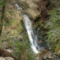 unerwartet, ein schöner Wasserfall