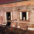 Réalisation des tableaux des portes et des fenêtres en pierre de taille